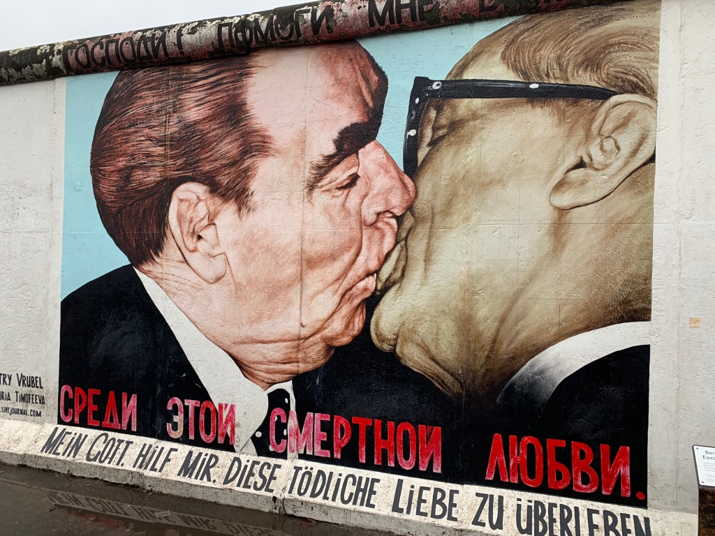 Fraternal Kiss painting on the Berlin Wall